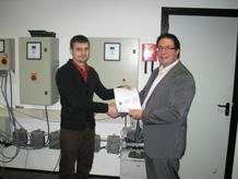 вручение сертификатов после обучения по контроллерам dp-pumps