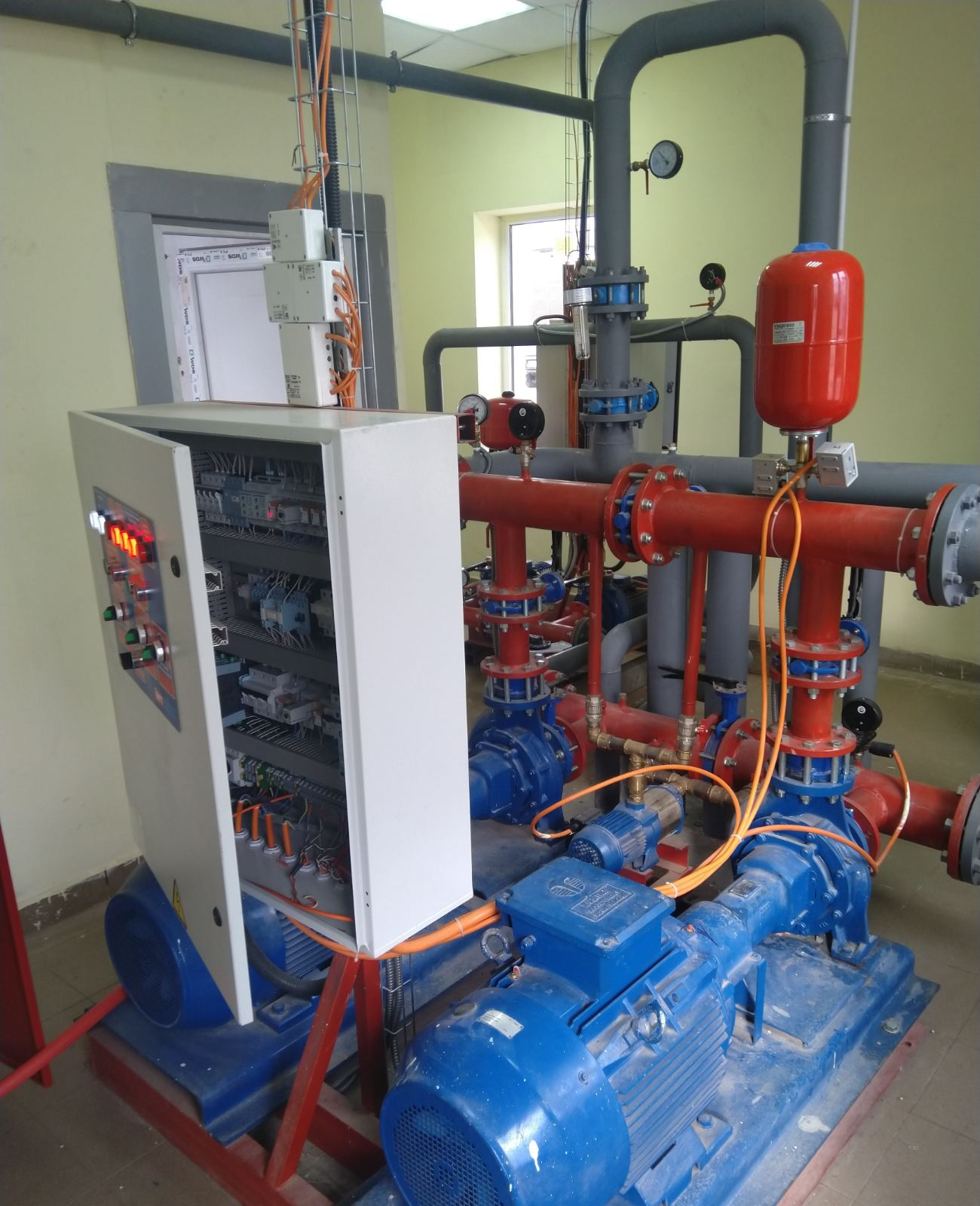 Производство насосных станций ИВТ - станций на горизонтальных насосах Fire-Set на объекте