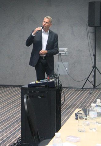 Выступление экспорт-менеджера DP-Pumps Лоуренса Круита