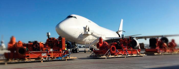 Для выполнения сжатых сроков проекта, задействовали 5 (пять!) грузовых самолетов Boeing 747, чтобы перевезти дизельные насосы и сопутствующее оборудования из США в Панаму.