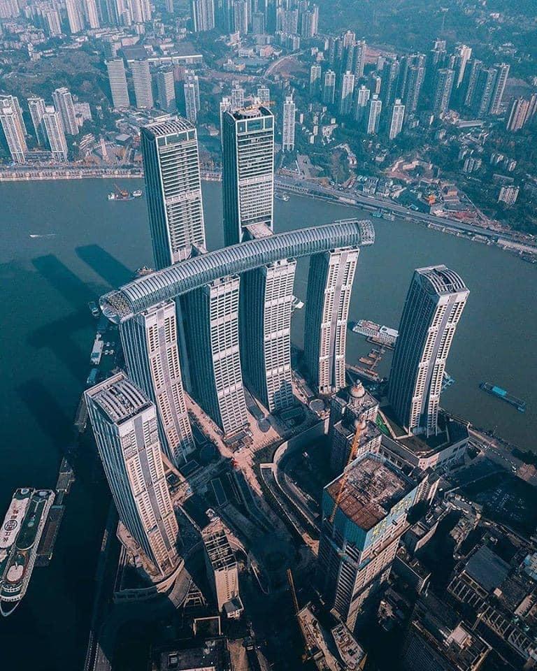 горизонтальный небоскреб в Китае- вид сверху